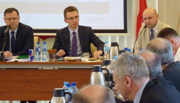 Sesja Wołomin: Chaos i krzykliwy przewodniczący