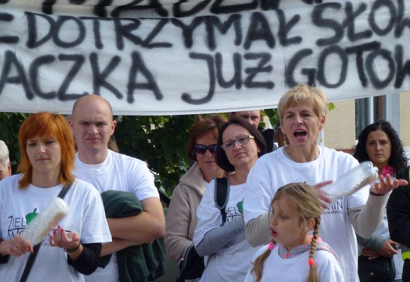Protest w Wołominie: Za karę zapłacą po ogromne sumy?
