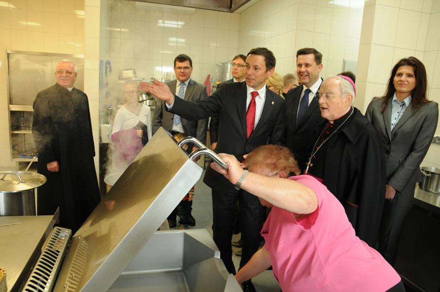 Leśniakowizna: Szkoła otwarta