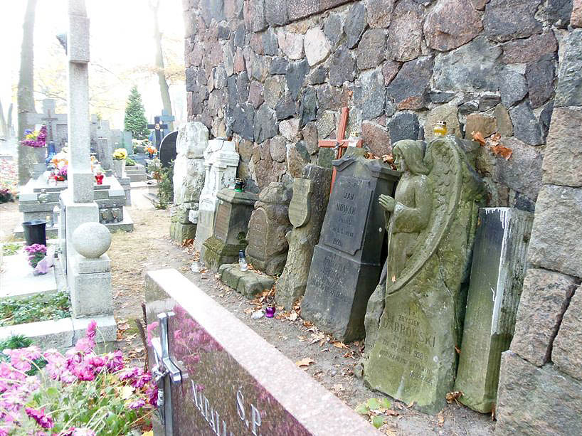 Kolejne pomniki zniknęły