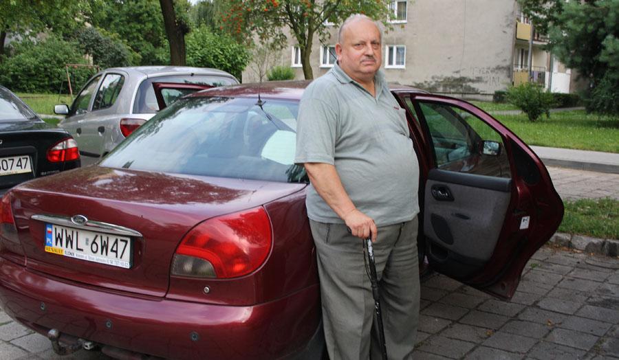 Mieszkał w samochodzie, otrzymał pomoc