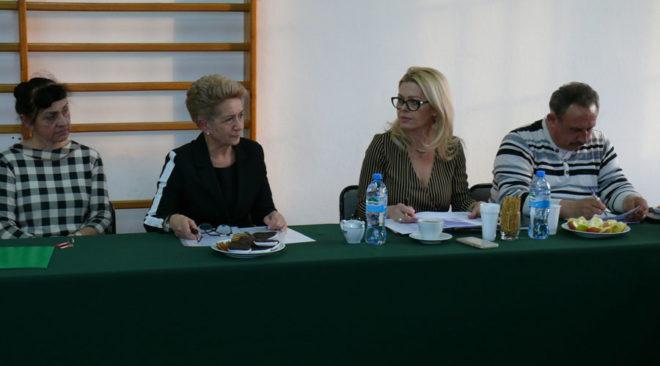 Ossów: Na ratunek szkole