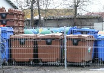 Umowa zerwana, odpady na ulicach