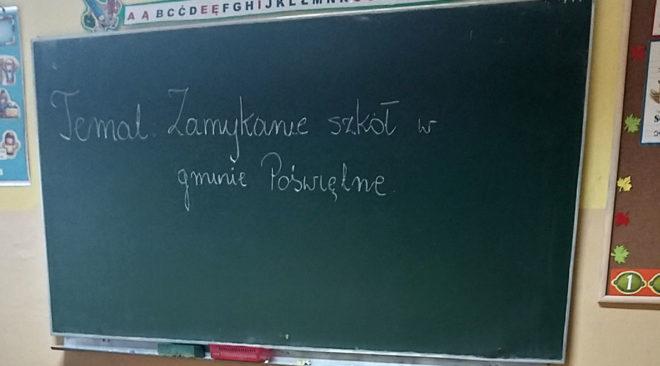 Zamknięte szkoły w gminie Poświętne?
