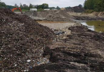 Te odpady cuchnęły już w sierpniu!