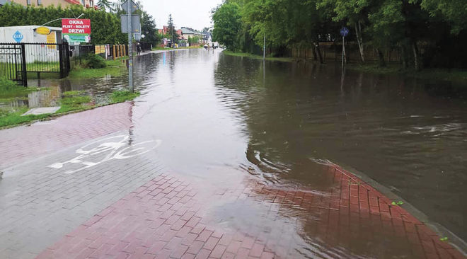 Powiat wołomiński: Zalewało i łamało