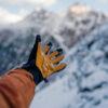 Jakie są rodzaje zimowych rękawiczek męskich? Które z nich sprawdzą się najlepiej