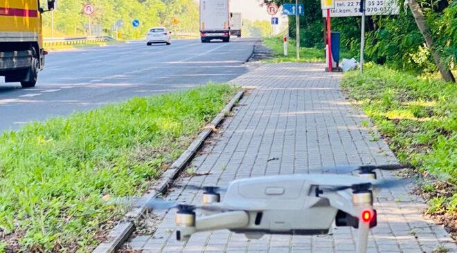 Dron na kierowców